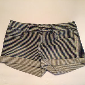 FOREVER 21 DENIM STRIPED CUFF SHORTS